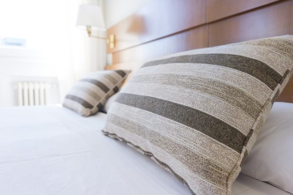 cleaning tips for fresh clean pillows
